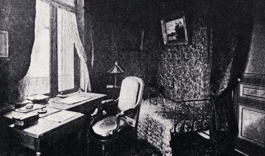 La maison de jules verne cabinet de travail de l ecrivain