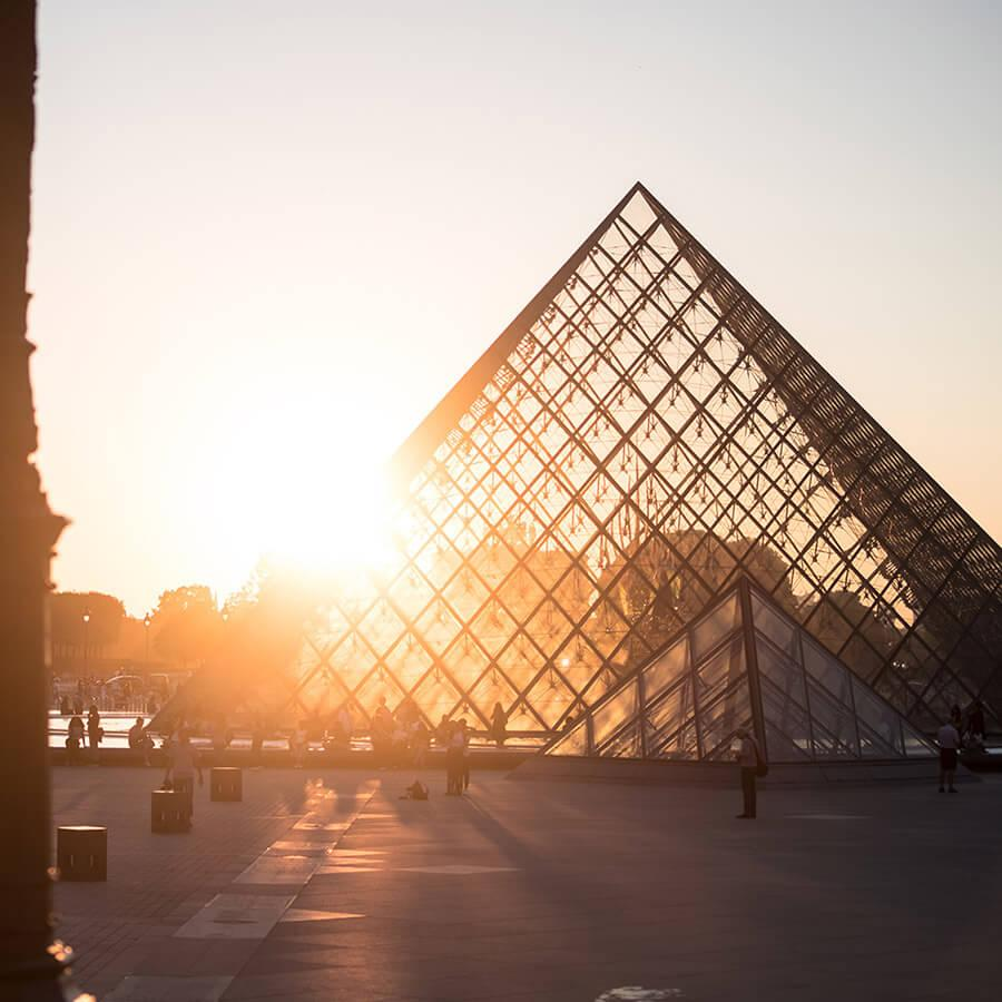 Louvre musee tourisme